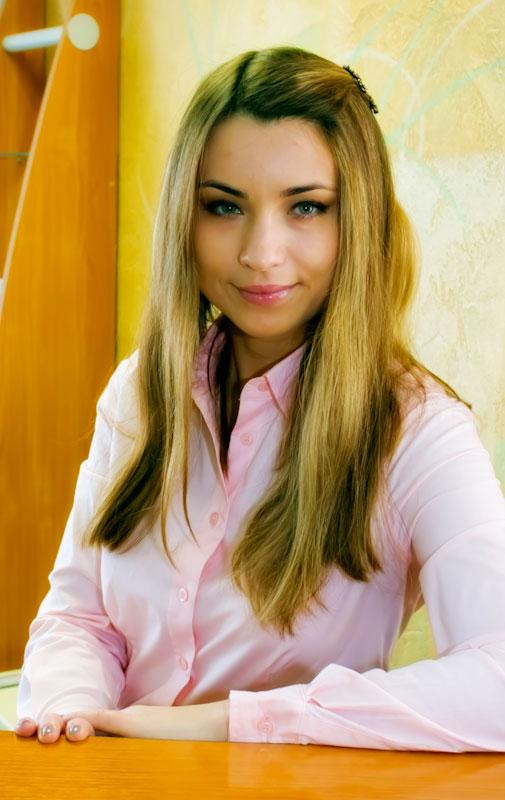 Виктория Мезенова. Администратор студии красоты Облака